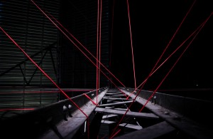 A.V_INST_RED STRING_Marian Van der Zwaan_SITE